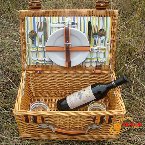 Picnic basket 2 persons use
